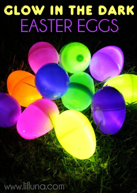 15 fun and unique ways to play with glow sticks year round!  So many great ideas!